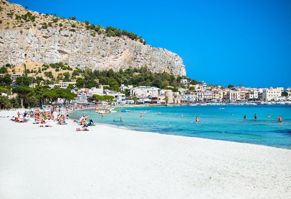 mooiste stranden sicilie - Mondello Beach
